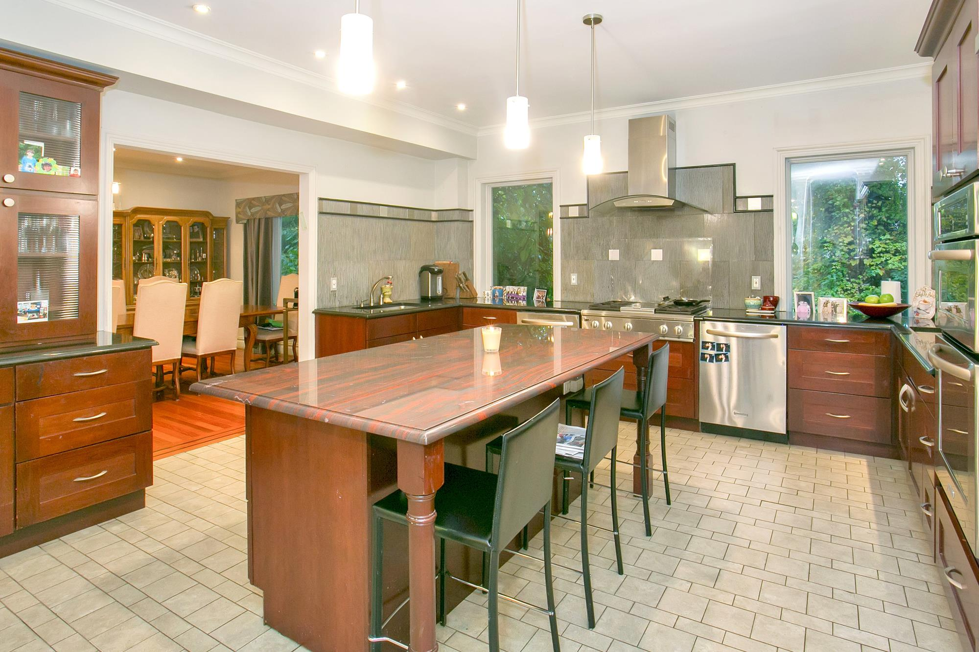 ESTATE AREA: Spacious 6-Bd. Brick House w/ Patio and Level, Grassy Yard in Private Enclave