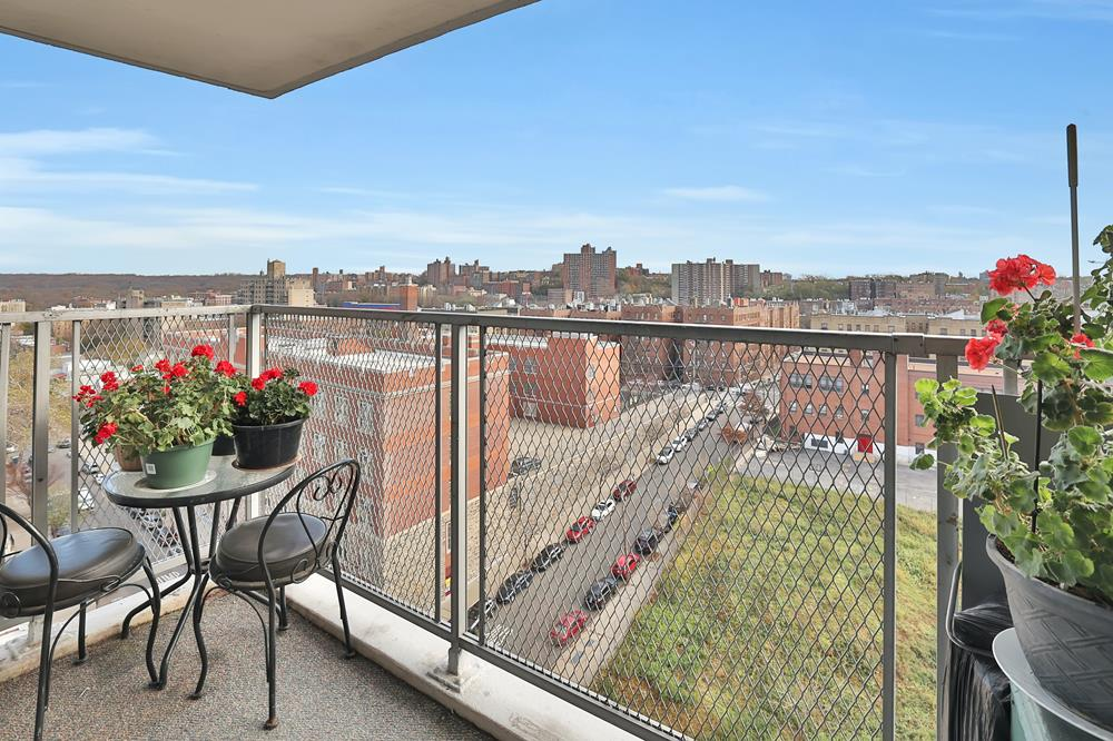 Updated 2-Bd. (Convertible 3-Bd.) Postwar Co-op w/ Balcony & Bright, Open Views