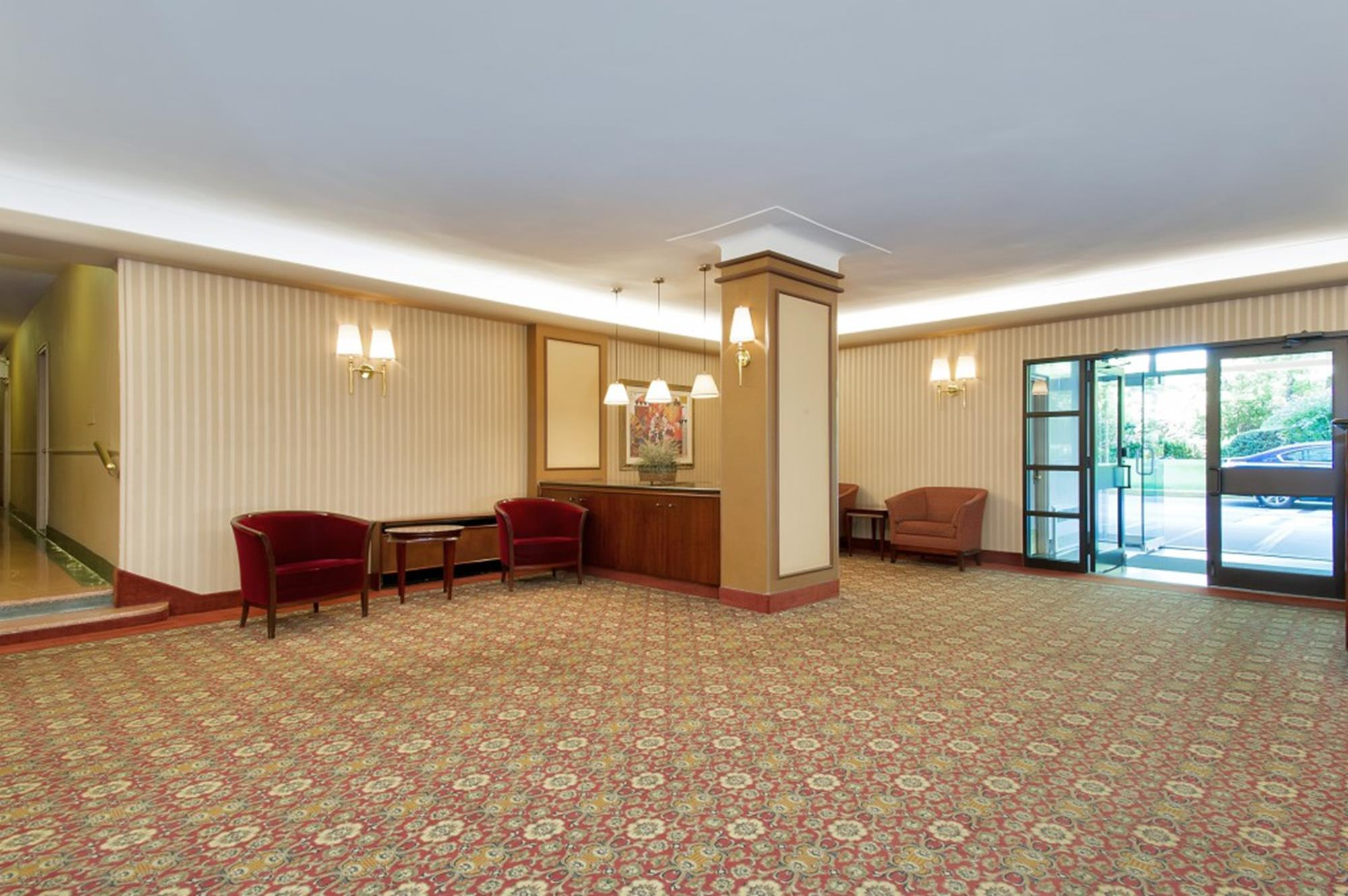 Spacious, Low-Floor 2-Bd. (Convertible 3-Bd.) w/ Balcony & 24-hr. Doormen at Parkway House
