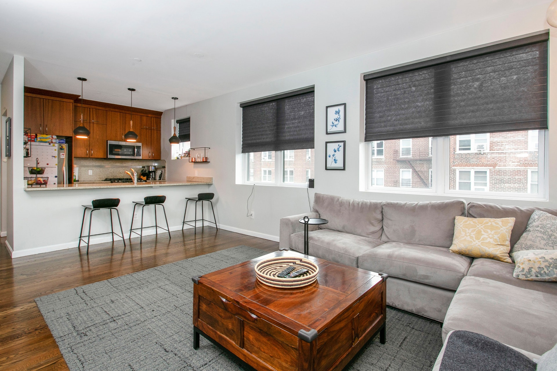 3-Bd. Contemporary Condo w/ Southern Balcony, Laundry in Unit & Indoor Parking