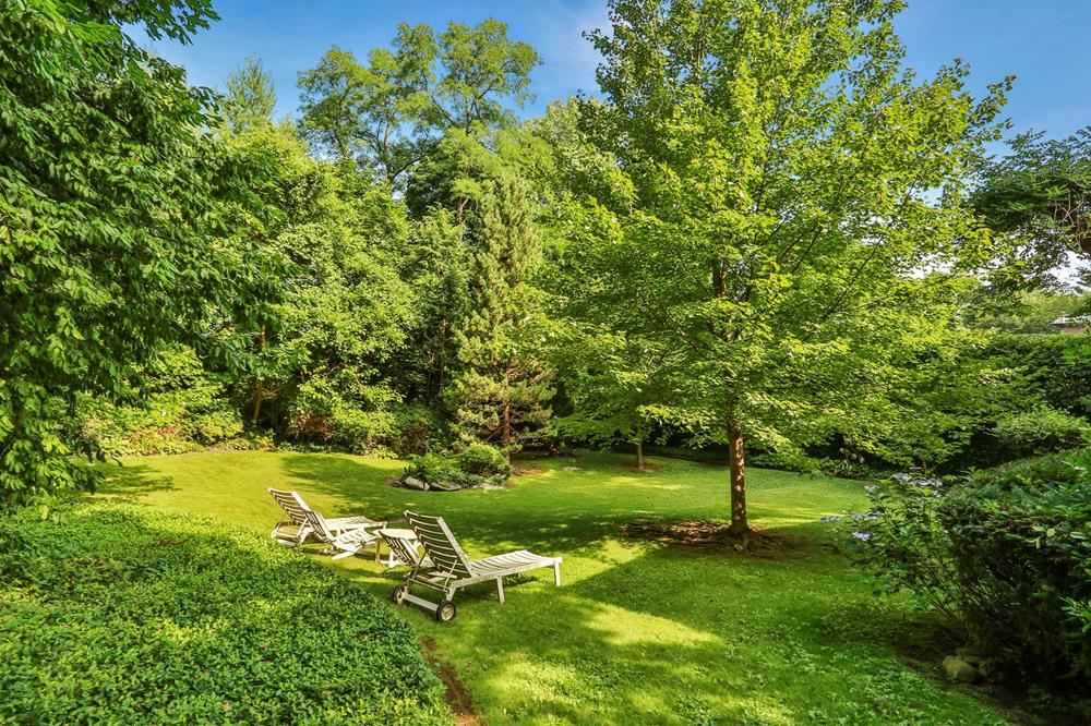 Splendidly Secluded 4-Bd. House w/ Patios & Lawns on Spacious Grounds of More Than Half an Acre