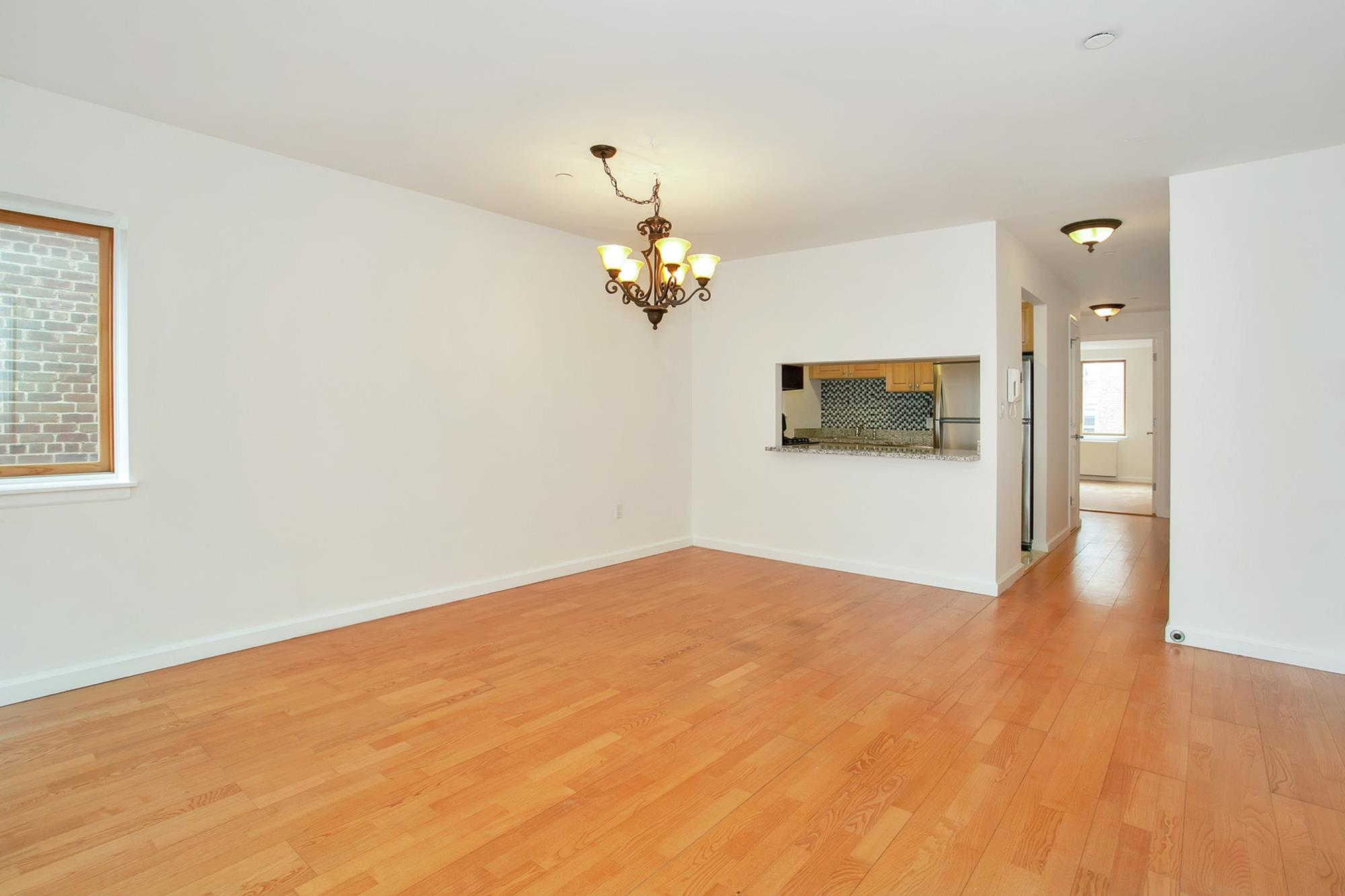 3-Bd. Contemporary Condo w/ Balcony, Laundry in Unit & Indoor Parking