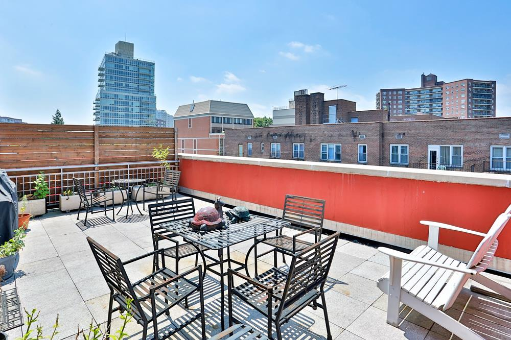 Contemporary 2-Bd. Duplex Penthouse Condo w/ Private Roof Terraces, Laundry & Indoor Parking at The Danielle