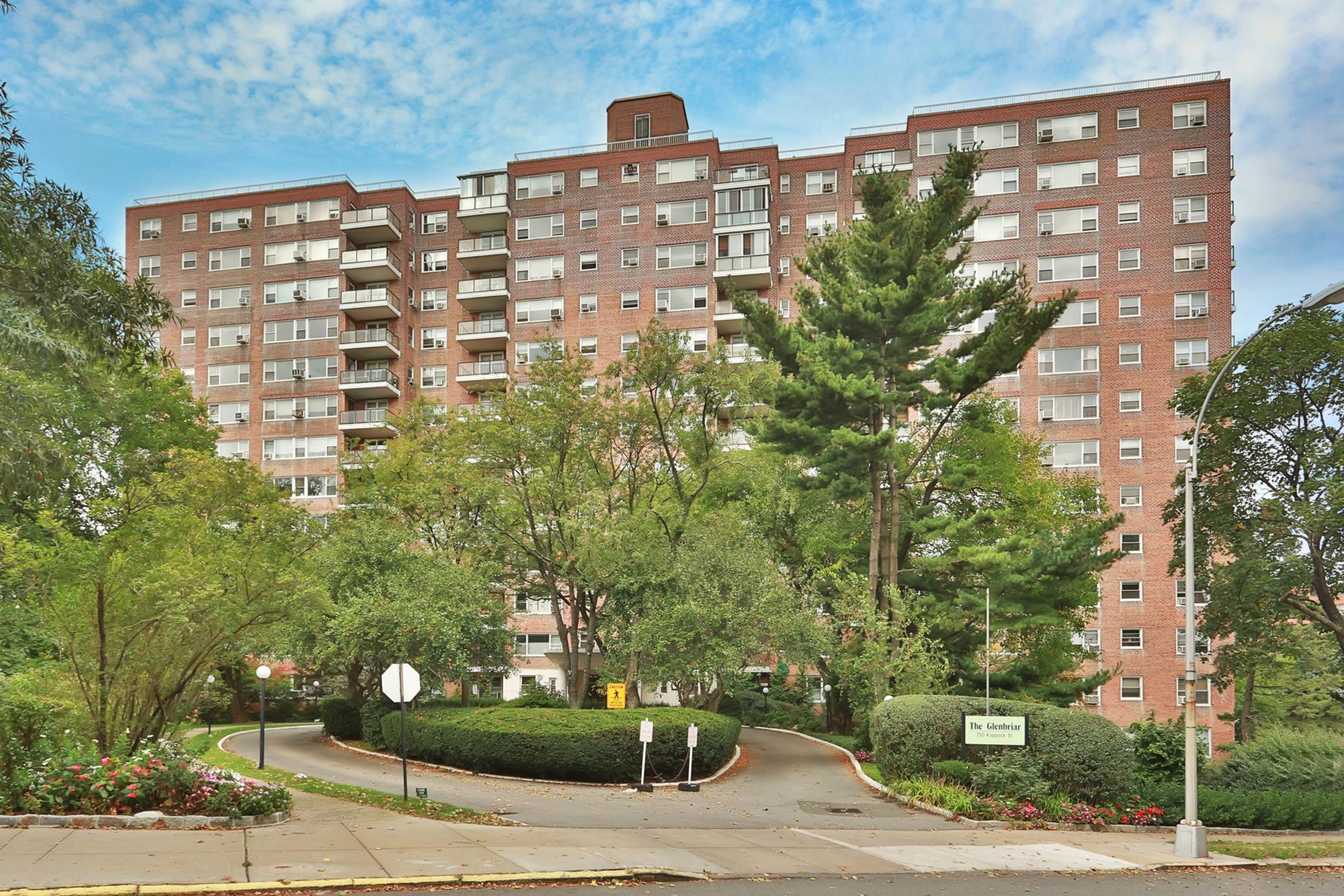 SOUTH RIVERDALE -- : Huge 3-Bd. Co-op w/ River Views, Balcony, Garage Space & 24-Hr. Doormen at 750 Kappock St.