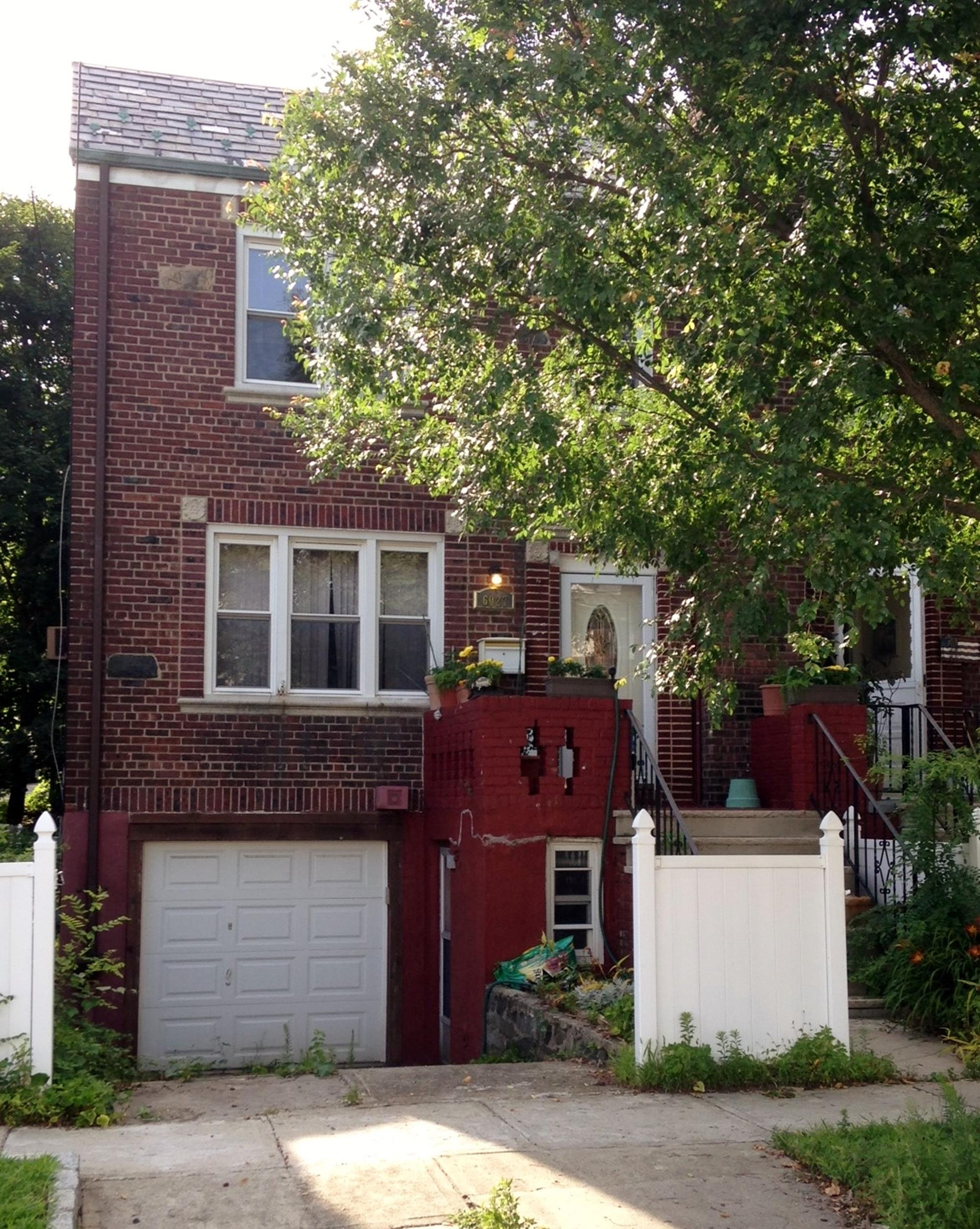 3-Bd. Brick House w/ Rear Deck & Yard on Delafield Ave.