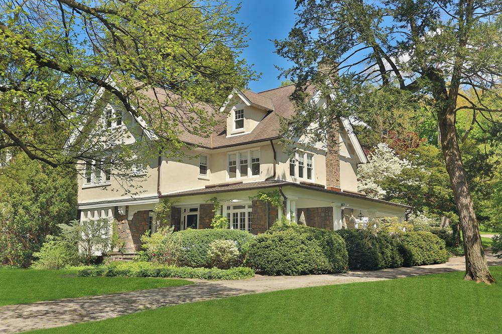 GRAND BUCOLIC BEAUTY & OPEN SPACE APLENTY: Classic 6-Bd. 1898 Mansion w/ Wraparound Porch on Over One Acre w/ Grassy Lawns, Lovely Gardens & Patio