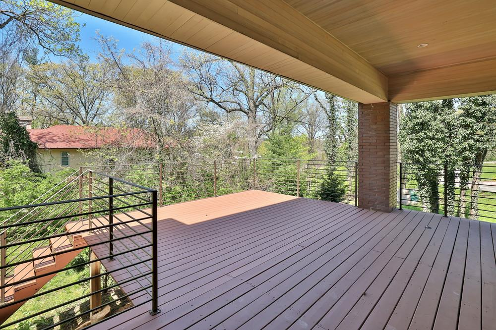 New 4-Bd. Contemporary-Style House in Wooded Private Community