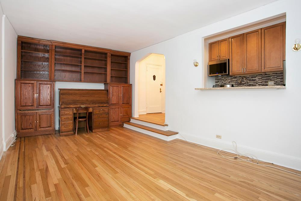 Charming & Renovated Prewar 1-Bd. Co-op with Sunken Living Room
