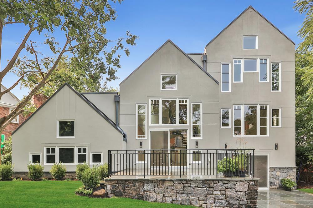 Pristine, Modern & Light-Filled 6-Bd. Stucco House w/ Patios & Grassy Yard