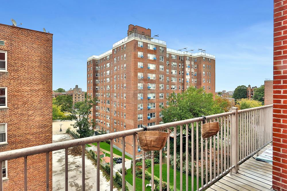 3-Bd. Contemporary Condo w/ Balcony, Laundry in Unit & Indoor Parking at The Danielle