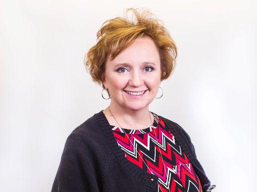 Julie Lehner 2