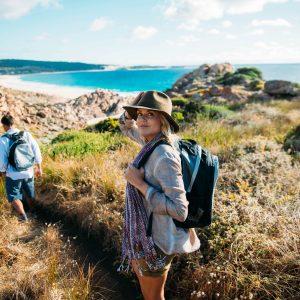 aa-walk-into-luxury-guests-walking-toward-injidup-beach