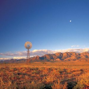 australia_south_australia_flinders-ranges_windmill
