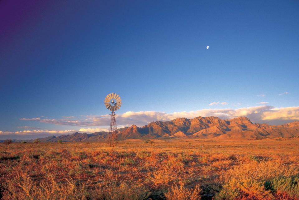 australia_south_australia_flinders-ranges_windmill