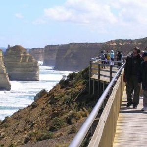 australia_vic_great_ocean_road_walkway_bridge
