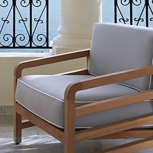 Summit furniture europe ltd logo treniq