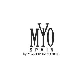 Martinez y orts treniq logo