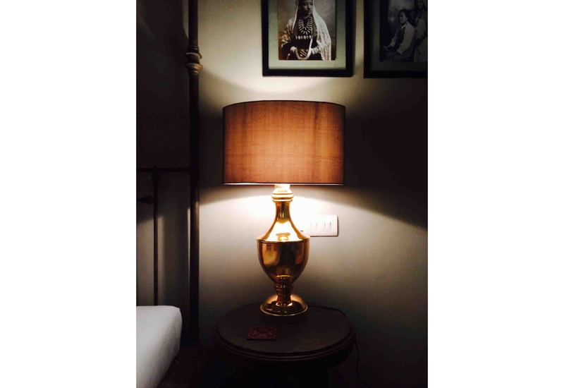 Trophy table lamp klove studio treniq 2