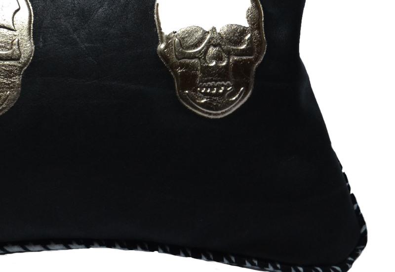 Skull cushion goshhh treniq 4