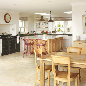 Kitchen with Aga - Rencraft - Treniq