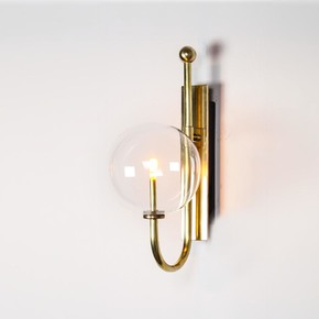 Brass-Naples-Wall-Sconce_Schwung-Home_Treniq_0