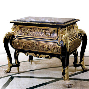 Louis-Xiv-Ormolu-Mounted-Commode_Antique-Taste_Treniq_0