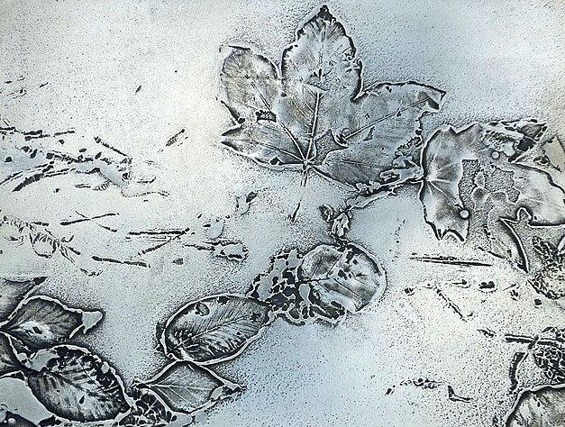 Metall fx leaves in moon gold  metall fx treniq 1 1490694829150