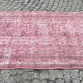 Vintage-Pink,-Overdyed-Handmade-Rug_Istanbul-Carpet_Treniq_0