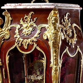 Francois-Linke-Louis-Xv-Style-Ormolu-Mounted-Vitrine-Pedestal-Bijouterie_Antique-Taste_Treniq_0