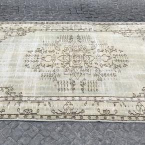 Greenish-Beige-Overdyed-Handmade-Rug-Turkish-Oushak-Rugs_Istanbul-Carpet_Treniq_0
