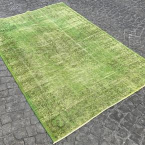 Green-Overdyed-Handmade-Rug-Vintage-Turkish-Oushak-Rug_Istanbul-Carpet_Treniq_0
