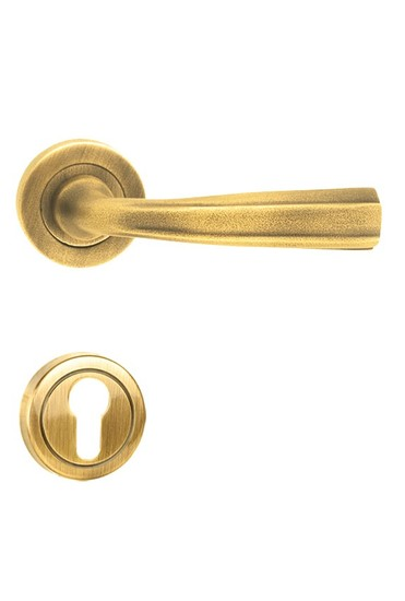 Glaxy%e2%80%90r golden locks treniq 1 1495522328556