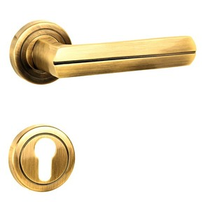 Bita-R-Door-Handle-On-Round-Rose_Golden-Locks_Treniq_0