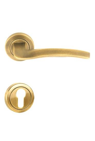 Flow%e2%80%90r door handle on round rose golden locks treniq 1 1495541604536