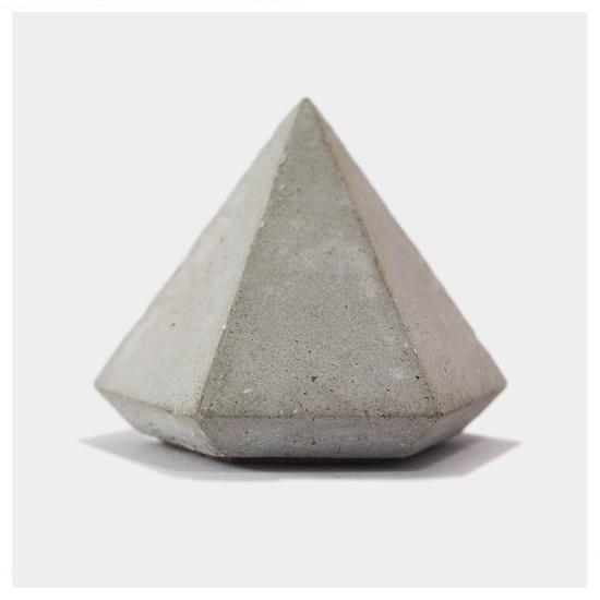 Hex. paper weight. pyd karan desai design treniq 5 1497264858570