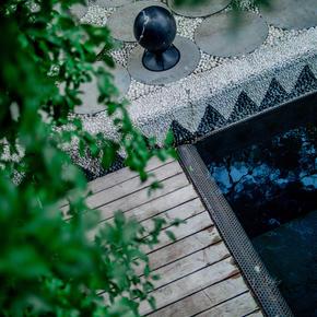 Sphere-360-Concrete-Speaker-Black_Architettura-Sonora_Treniq_0