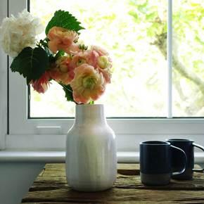 Vase-–-White,-Necked_Eunmi-Kim-Pottery_Treniq_3