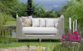 Elsa-Sofa_Accent-Furniture_Treniq_0