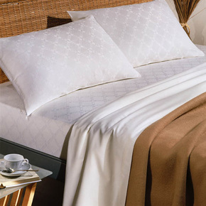 Hotel-Quality-Blanket_Kings-Of-Cotton_Treniq_0