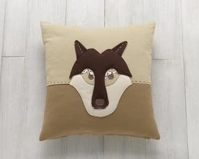 Cushion-Lupo_Corsiericorsi_Treniq_0