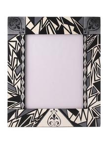 Hand-Painted-Monochrome-Classic-Photoframe_Auraz-Design_Treniq_1