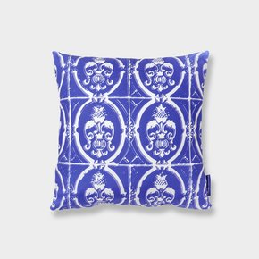 Tiles-Cushion-Ii_Inspirações-Portuguesas_Treniq_0