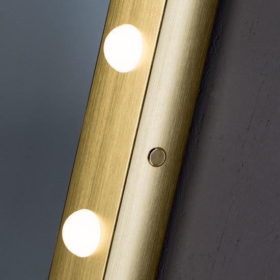 Sp 302 gold lighted mirror chiara ferrari treniq 1 1513069062448