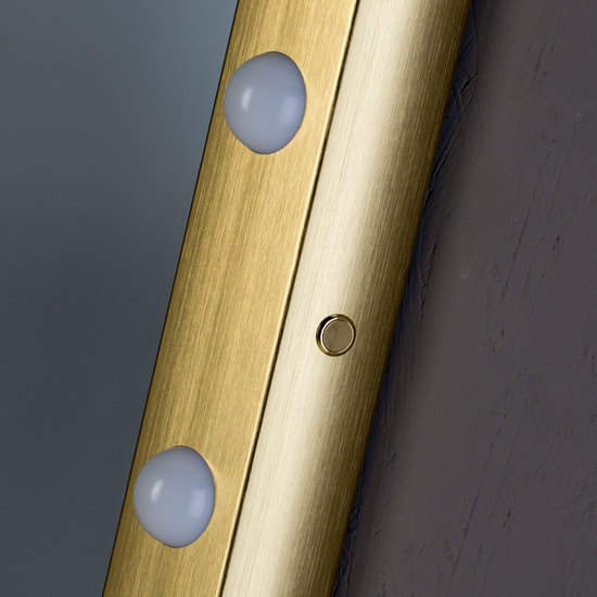 Sp 302 gold lighted mirror chiara ferrari treniq 1 1513069062449