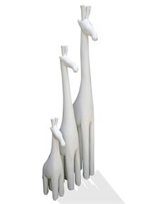 White-Baby-Giraffe_Avana-Africa_Treniq_0