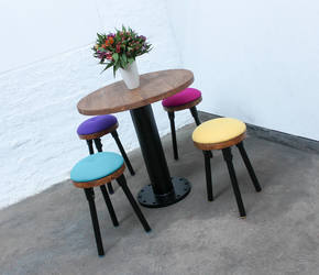 Button Pedestal Table & 4 Upholstered Stools