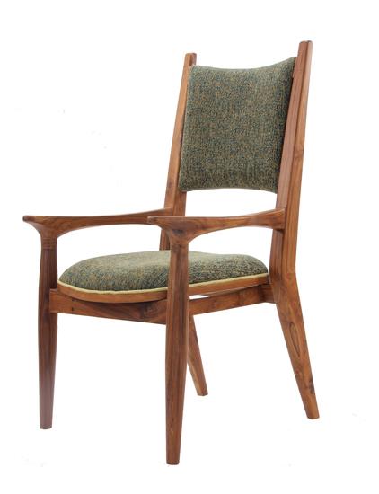 Vinil chair iii alankaram treniq 1 1525248577174