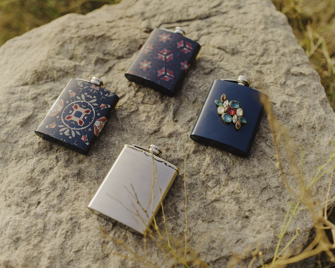 The tantraa hip flask living with elan treniq 2 1527233097498
