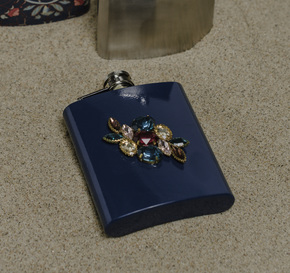 The-Diwaani-Hip-Flask_Living-With-Elan_Treniq_0