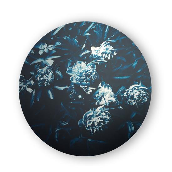 Botanical on aluminum  sonder living treniq 1 1527741008870